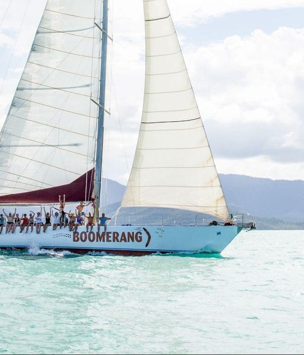 Boomerang---Sailing---close-up---Airlie-Beach-Tourism