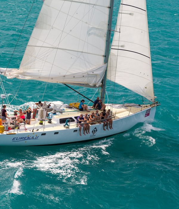 Eureka---Sailing-the-Whitsundays-Airlie-Beach-Tourism